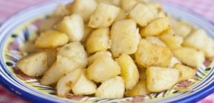 gebakken aardappeltjes met knoflook