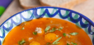 tomatensoep met gekruide balletjes
