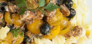 tagliatelle met sardientjes in tomatensaus