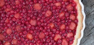 aardbeien-aalbessentaart