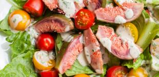 salade met verse vijgen en ansjovisdressing
