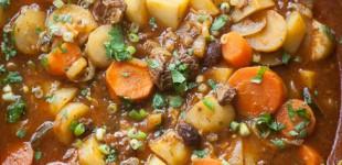 rundvleestajine met aardappel en wortel